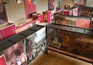 1.- Durante tres meses la exposición estará abierta al público en el Museo de Arte y Artesanía de Linares.
